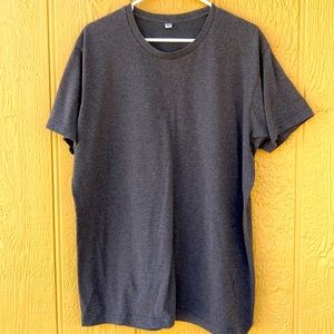 Uniqlo Classic Gray Tee Size XL Short Sleeves